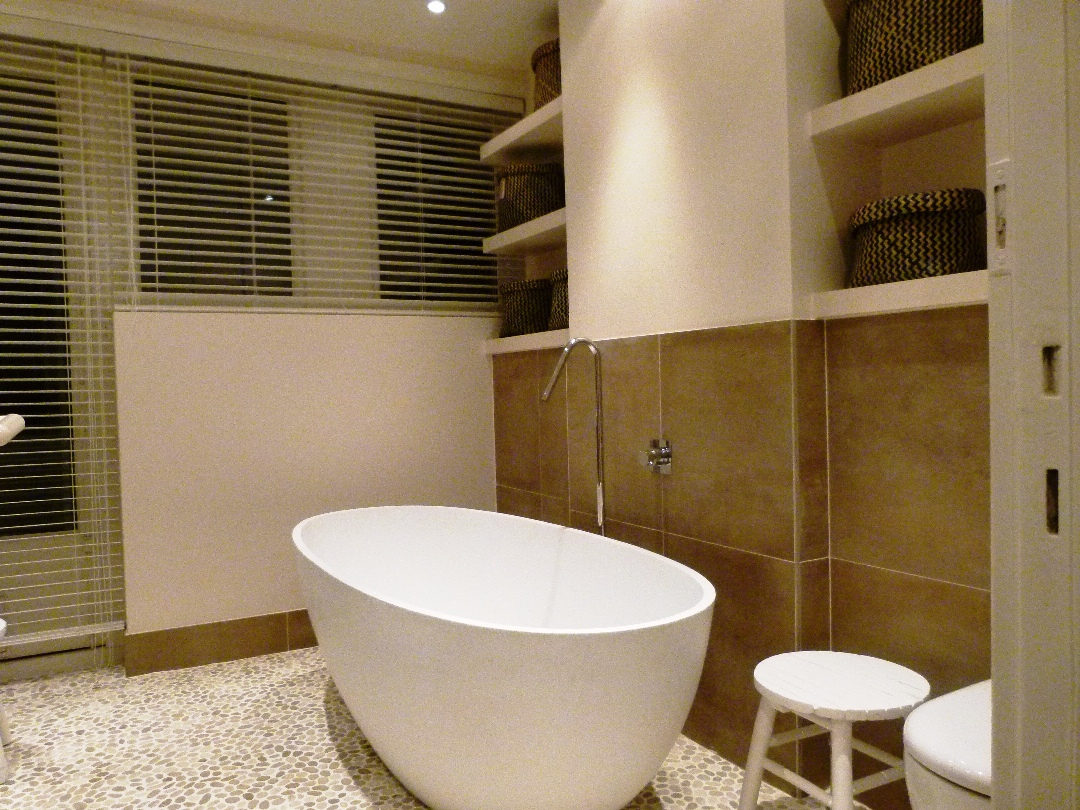 JACOB | Badkamer Apeldoorn voorzien van o.a. kiezelvloer ...