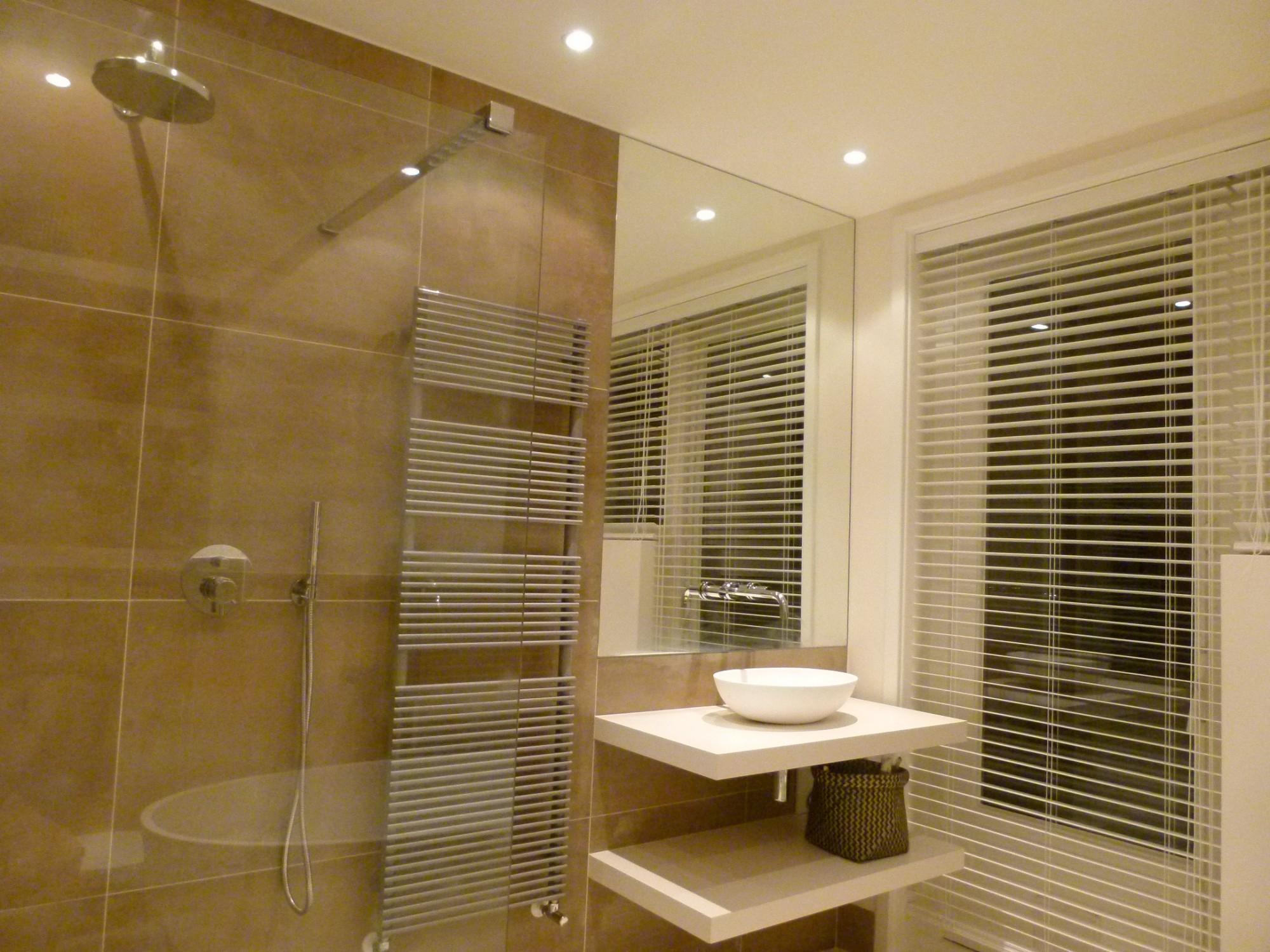 jacob badkamer apeldoorn voorzien van o a kiezelvloer