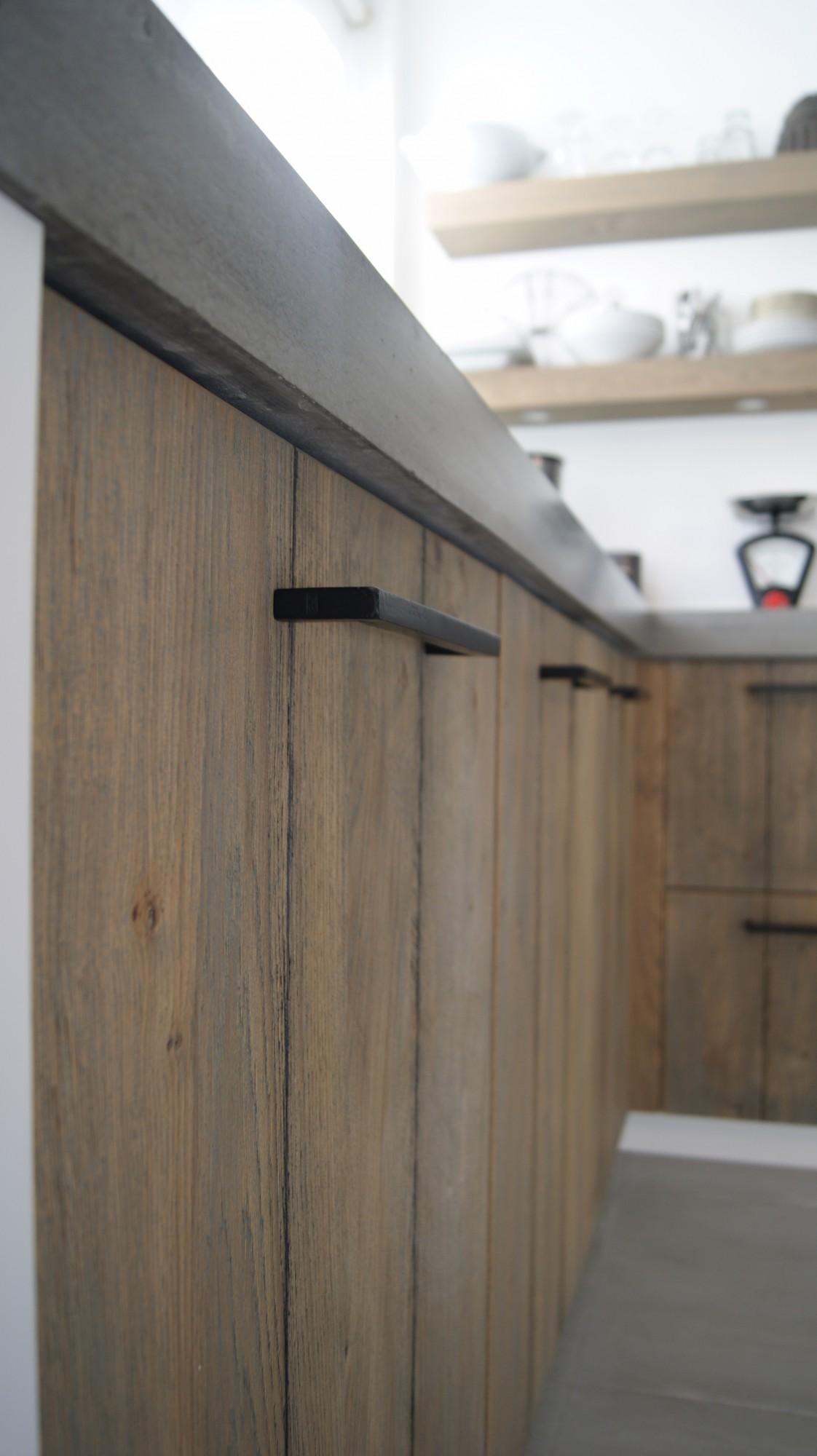 Keuken Eiken Werkblad : vloer opgeleverd Keuken eiken gestraald voorzien van betonnen werkblad