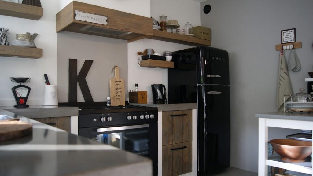 Parket in keuken: keukeneiland modern interieur keuken ...