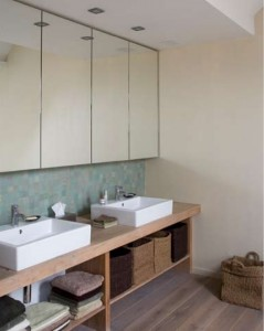 JACOB | Maatwerk badkamer met eiken meubel JACOB maatwerk keukens en ...